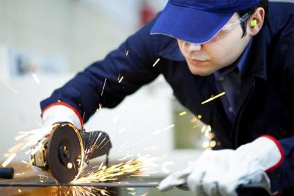 Instalaciones, reparaciones, montajes, estructuras metálicas, cerrajería y carpintería metálica. BARCELONA